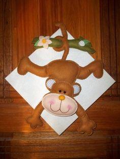 Quadro de tela decorado com feltro, frete a combinar. R$ 60,00