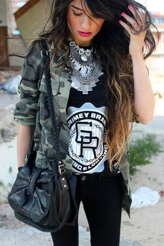 military rock outfit What to Wear with Military Jackets for Women