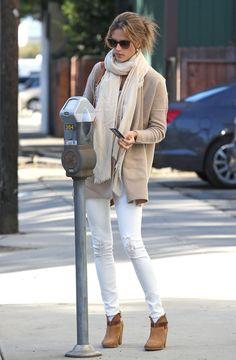 Love Alessandra Ambrosio in Winter white (and tan!)