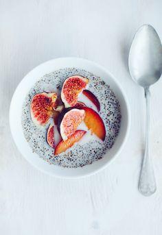 Chia Pudding with plum and fig. Chiagröt | Linda Lomelino | Amelia blogs. #kikkiK