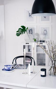 Beautiful interior. Svenskt tenn candleholders and vase, Spode cup, Thonet chair.