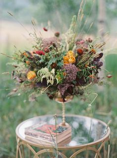 Autumn floral centerpiece | Bryce Covey Photography and Bluebird Productions | see more on: http://burnettsboards.com/2014/09/indian-summer-heat-wave-wedding/