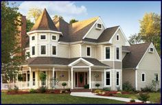Love Victorian style homes!