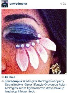 DOPE ideaaaa!!!! #mardigras #ravemakeup #costume #makeup #flower #gems #petals #love #edmgirls #edmlifestyle #plur #plurlifestyle #edm #girlswhorave #edc #dope