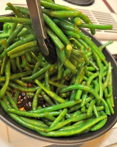 Balsamic honey green beans