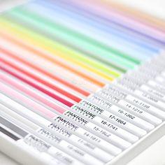 Pantone pencils - want want!