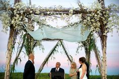 love this chuppah from Jordana & Adrian's Jewish wedding featured on The Modern Jewish Wedding