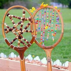 Tennis Racket Garden Art.....CRAFT GAWKER this site has so MANY cool crafts!