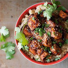 Sriracha Chicken Quinoa Bowl | Kim's Healthy Eats