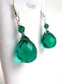 "Orecchini ""Gocce di smeraldo"" // ""Drops of Emerald"" #earrings - di LAllle via it.dawanda.com"