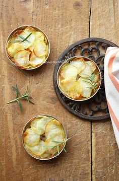 Pie di patate con zucca, funghi e porri by Una finestra di fronte, via Flickr