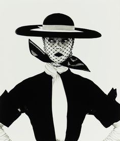 Irving Penn's British Vogue cover image of model Lisa Fonssagrives. model, inspiration, black white, graphics, irving penn, irv penn, fashion photograph, british vogu, vogue covers