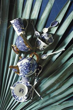 Jardin Des Plantes Tea Set