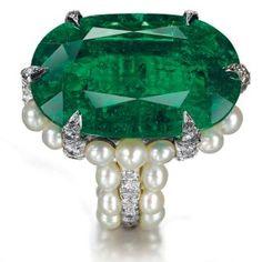 emerald, pearl, and diamond ring