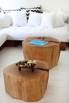 This is exactly a kind of coffee table I want. A Log Stump Table.