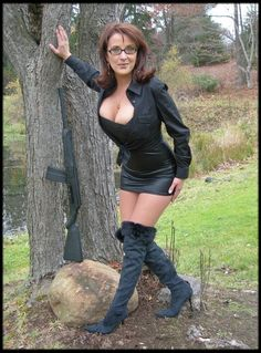 Hot Milf with Glasse