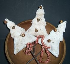 Primitive Folk Art White Christmas Tree Ornies-Bowl Fillers Set Of 3  Primitive Folk Art White Christmas Tree Ornies-Bowl Fillers Set Of 3 - Primitive Country Crafts