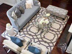 Transitional Living Room (http://www.hgtv.com/designers-portfolio/room/transitional/living-rooms/9818/index.html?soc=Pinterest)
