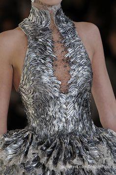 alexander mcqueen, detail, fashion, coutur, alexandermcqueen, dress, silver, gown, alexand mcqueen