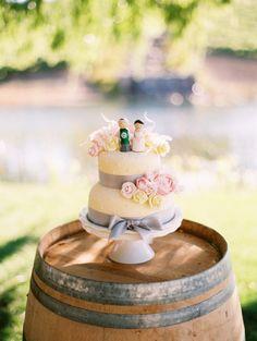 yellow weddings, kimmsflowerbasketcom read, galleri, flower baskets, layer cakes, rustic weddings, wedding cakes, floral designs, cake toppers