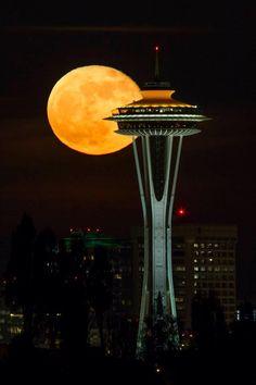 harvest moon, washington state, spaceneedl, seattl supermoon, blue moon, usa travel, seattle style, place, space needl