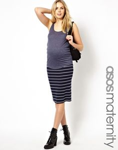 Ruched maternity skirt outfit idea
