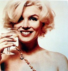 buses, marilyn monroe, white wines, wine glass, norma jean