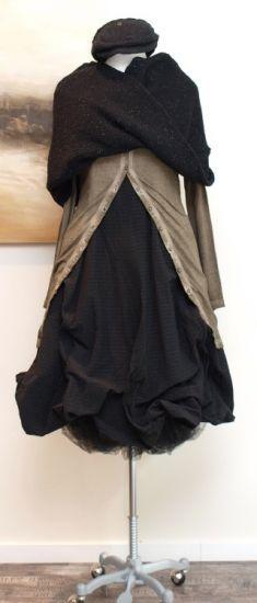 stilecht - mode für frauen mit format... - rundholz - Kleid Wire Pinstripe schwarz - Winter 2013