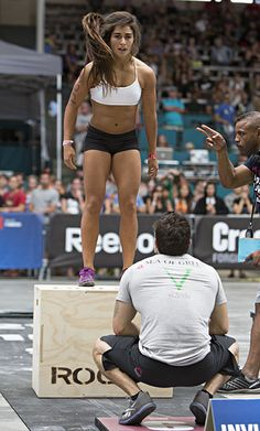 Lauren Fisher box jumps -only 19. THIS is what we should be teaching teenage girls