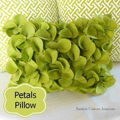 Petals Pillow from NewtonCustomInteriors.com #diypillows #decorativepillows #sewingtutorials