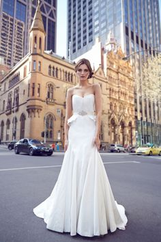 KAREN WILLIS HOLMES - 'Alassandra' wedding dress #wedding #dress www.karenwillisholmes.com
