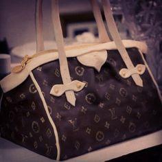Louis Vuitton Cake - #cakeoutsidethebox #Louis #Vuitton #purse #celebration #fondant #cake #sweets #birthday #party #themes #custom #design #buttercream
