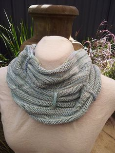 Free Pattern: Icordion Cowl by Louise Fitzpatrick