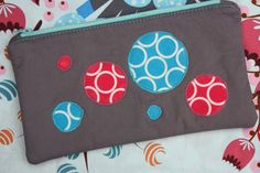 Sew Sweetness: Tutorial: Dirty Bubble Zippered Pouch