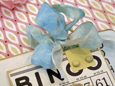 Seam Binding Bow:  Tutorial