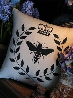 love this bee pillow...going to have to try to replicate this bees, beepillow, bee pillow, queen bee, napoleon bee, bee print, pretti bee, pillows, bee amaz