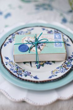 Indigo and mint place setting blue three, pretti wrap, gift wrap, blue box, boxes, favor, place set, blue weddings, blues
