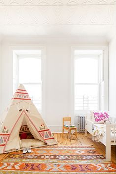 Ethnic colors and patterns, so refreshing and lovely for a child's room. Le Souk #kids #estella #decor