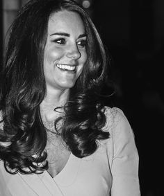 Kate looking absolutely radiant at the Natural History Museum Awards // October 21, 2014