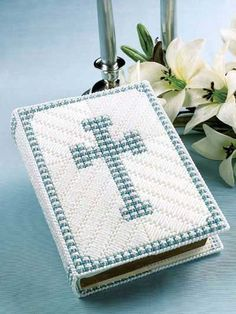 blue cross, plastic canvas, bibl cover, bible covers, plasticcanva, book covers, crosses, cross bibl, blues