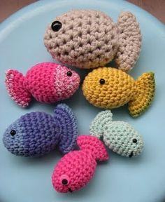 Crochet fish family, free pattern.