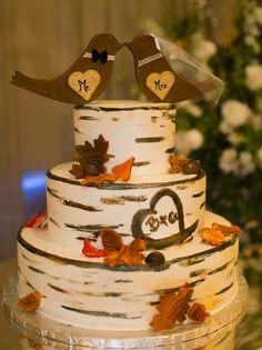 Adorable rustic style fall wedding cake!! #fall #wedding #fallwedding