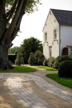 White brick, driveway pavers