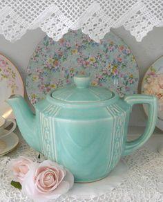 aqua teapot, cute!