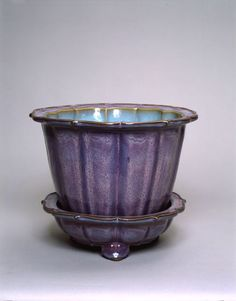 Foliate Flower Pot and Basin, Chinese, probably Ming dynasty, 15th century, Harvard Art Museums/Arthur M. Sackler Museum.