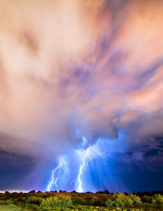 A phenomenal lightning storm rolling its way through Albuquerque, NM. ~ By Knate Myers.