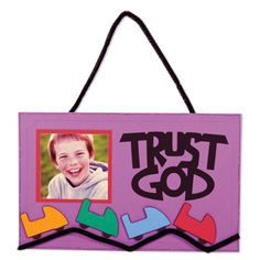 VBS Trust God Hanging Sign | Make your own roller coaster hanging signs and journals with AccuCut dies. Perfect for 2013 Colossal Coaster VBS theme. preschool church crafts vbs, colossal coaster crafts, roller coaster vbs, roller coaster crafts, roller coasters, vbs bible crafts