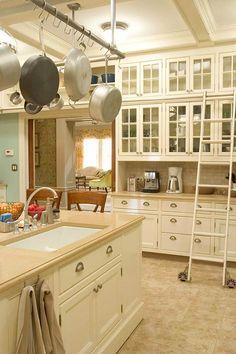 Love this kitchen. Love it!