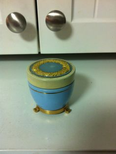 Avon Sales Award Cream Sachet Jar 1962 | eBay