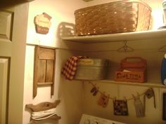 Primitive & Colonial Inspired Laundry Rooms